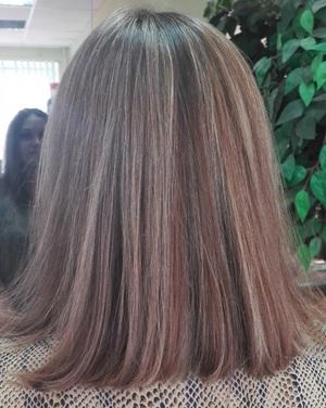Колорирование волос в парикмахерской или салоне